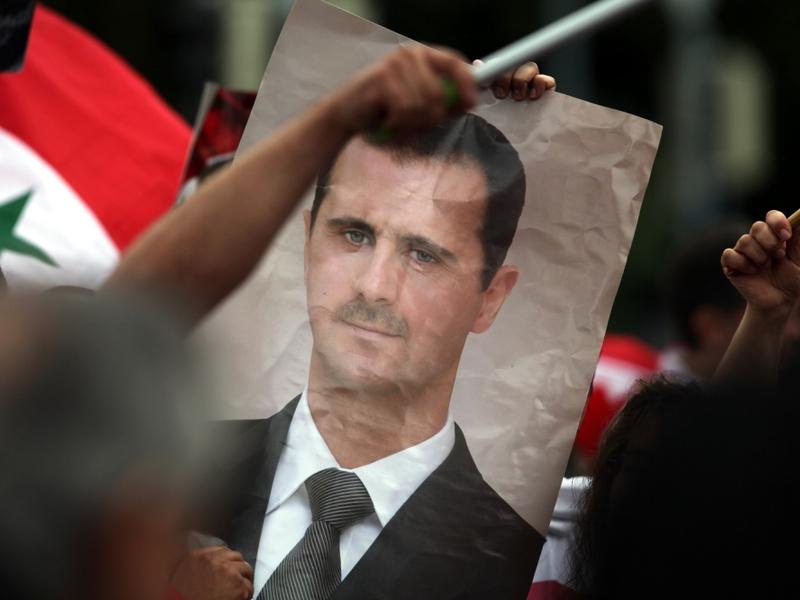 Bild von Baschar al-Assad auf einer Syrien-Demonstration - Foto: über dts Nachrichtenagentur