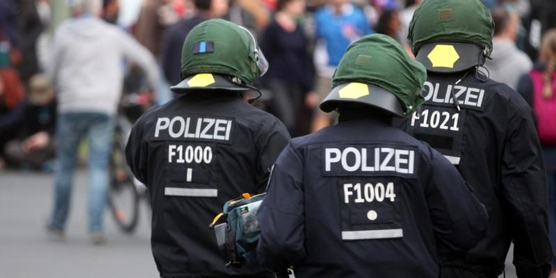 Polizei bei einer Demo - Foto: über dts Nachrichtenagentur