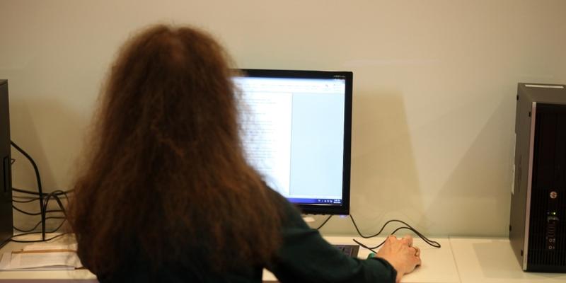 Computer-Nutzerin - Foto: über dts Nachrichtenagentur