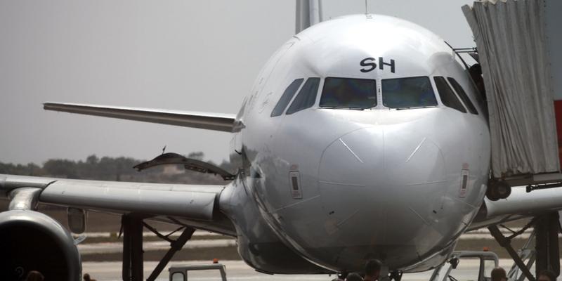 Flugzeug mit Passagieren auf dem Rollfeld - Foto: über dts Nachrichtenagentur