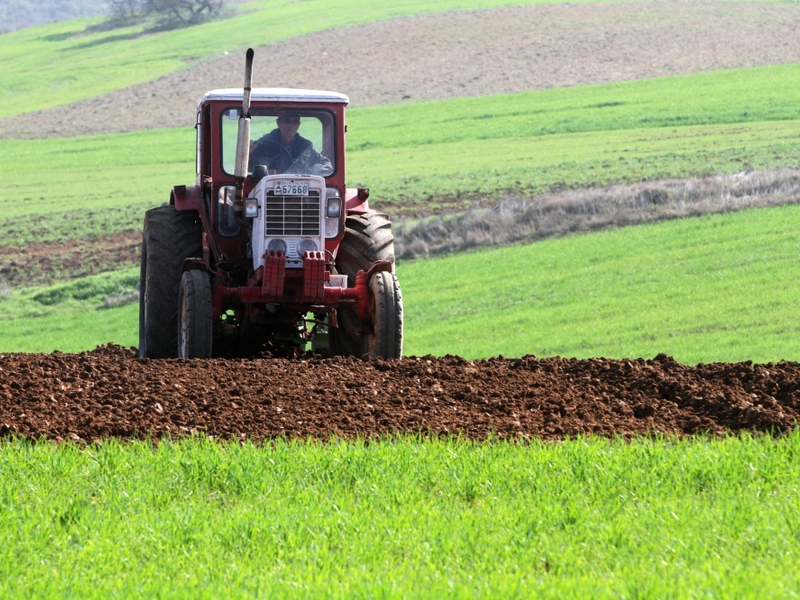 Bauer mit Traktor - Foto: über dts Nachrichtenagentur