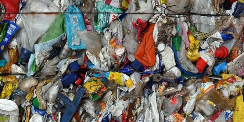 Kunststoff-Müll - Foto: Hendrik Schmidt