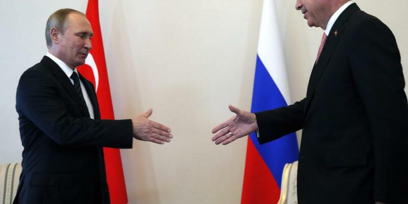 Wladimir Putin und Recep Tayyip Erdogan - Foto: Anatoly Maltsev/Archiv