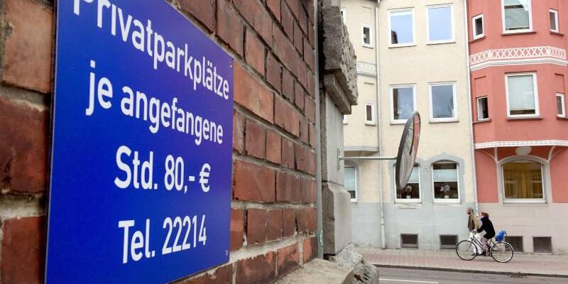 Parkschild gegen Falschparker - Foto: Nico Pointner