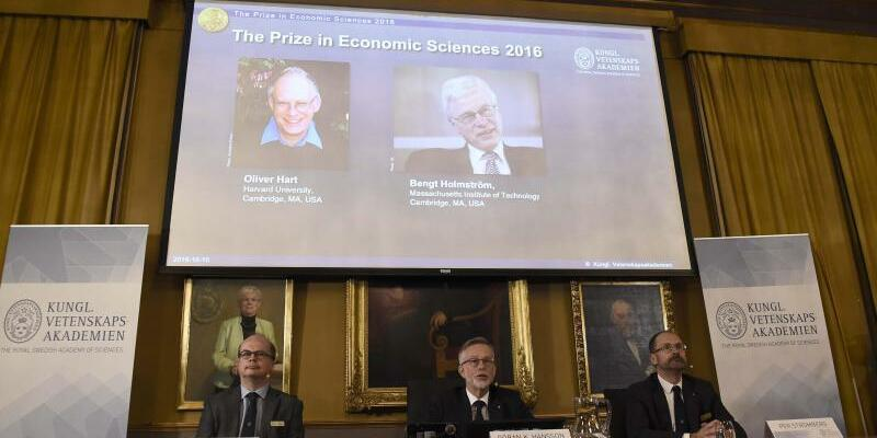 Hart und Holmstrom - Foto: Oliver Hart und Bengt Holmström sind die Ausgezeichneten des diesjährigen Nobelpreis für Wirtschaftswissenschaften. Foto:Stina Stjernkvist