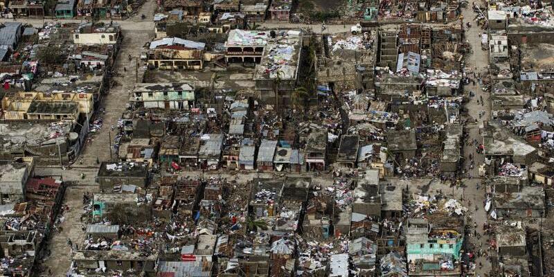 Schäden in Haiti - Foto: Logan Abassi