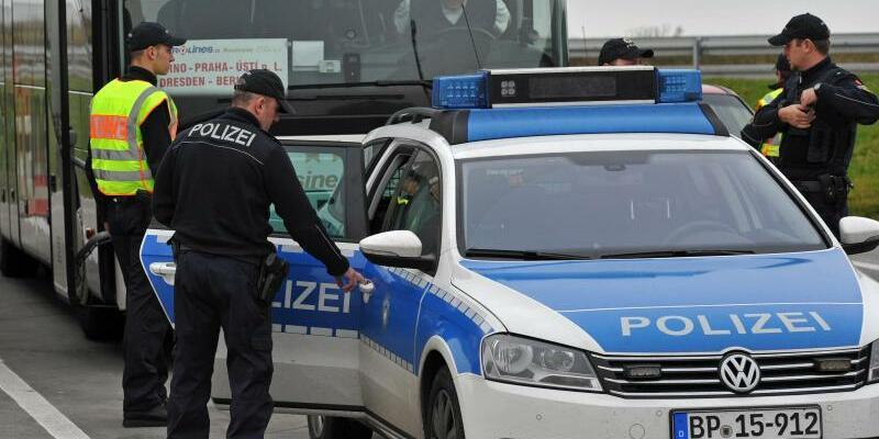 Grenzkontrolle - Foto: Matthias Hiekel/Archiv