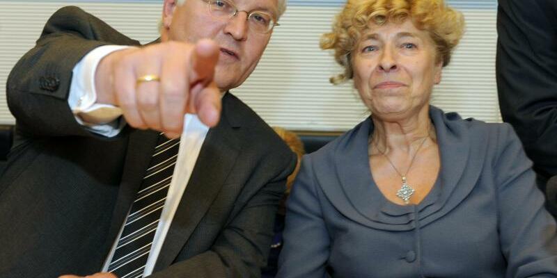 Steinmeier und Schwan - Foto: Tim Brakemeier