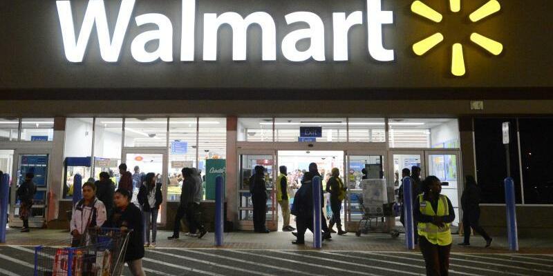 Walmart - Foto: Walmart macht die verschärfte Konkurrenz durch Online-Händler wie Amazon zu schaffen. Foto:Michael Reynolds