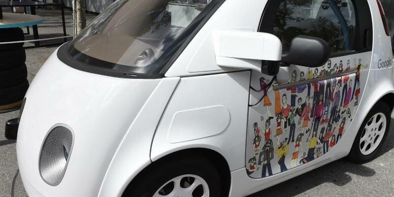 Selbstfahrendes Auto von Google - Foto: Andrej Sokolow