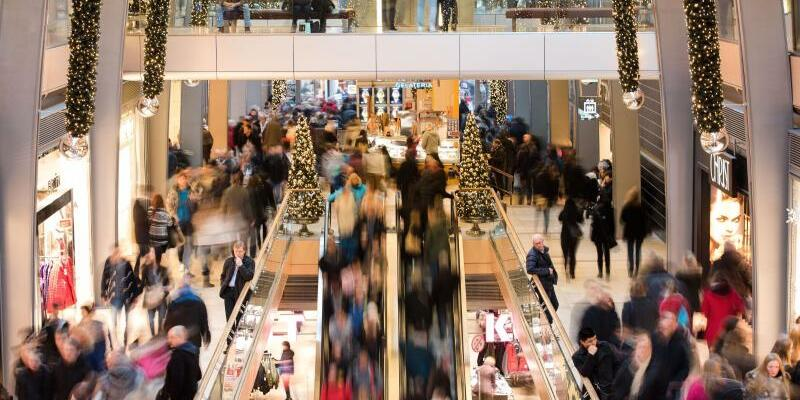 Weihnachtsgeschäft - Foto: Dank des kräftigen Privatkonsums rechnen Experten mit einer Fortsetzung des Aufschwungs. Foto:Daniel Bockwoldt