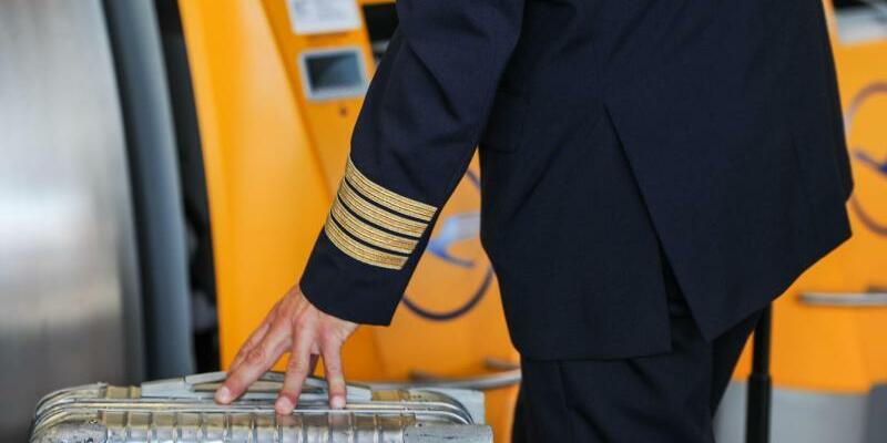 Lufthansa-Pilot - Foto: Die Piloten hatten zuletzt in der 14. Streikrunde sechs Tage lang die Arbeit niedergelegt. Foto:Valentin Gensch