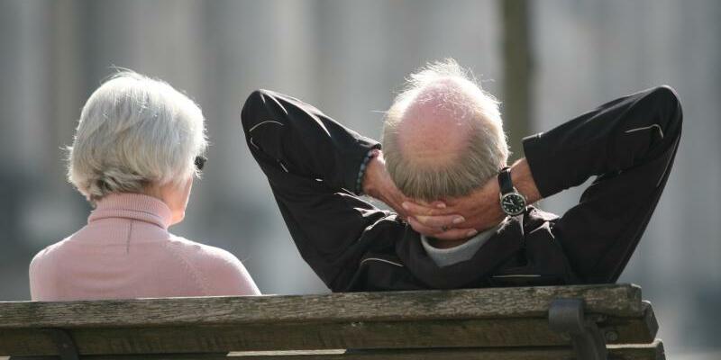 Rentner - Foto: Arbeitgeber fordern, das Renteneintrittsalter weiter an die Lebenserwartung anzupassen. Foto:Stephan Scheuer