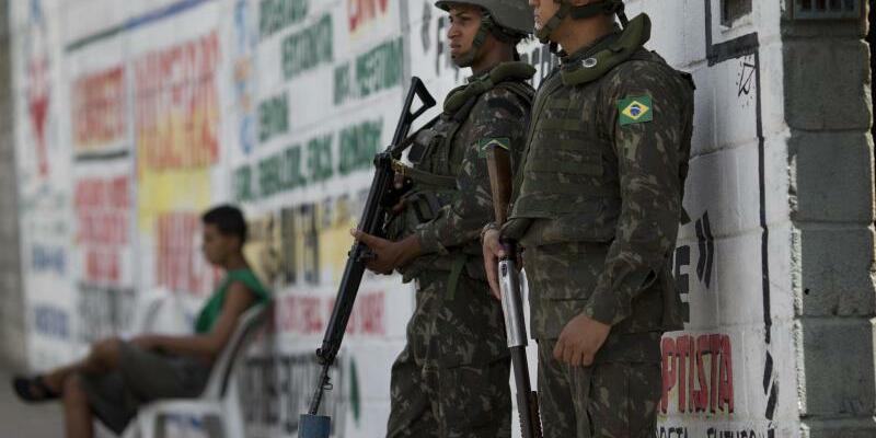 Soldaten in Rio - Foto: Silvia Izquierdo