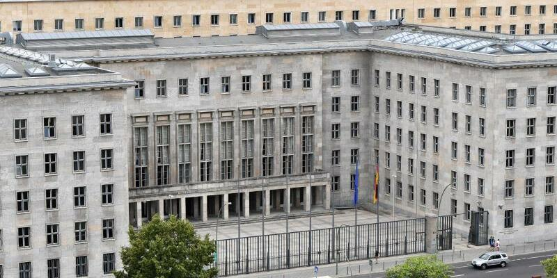 Bundesfinanzministerium - Foto: Jens Kalaene/Illustration