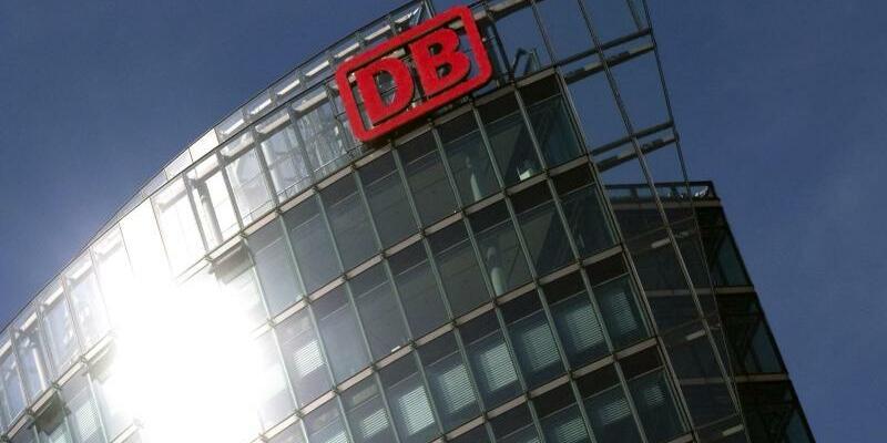 Deutsche Bahn - Foto: Arno Burgi