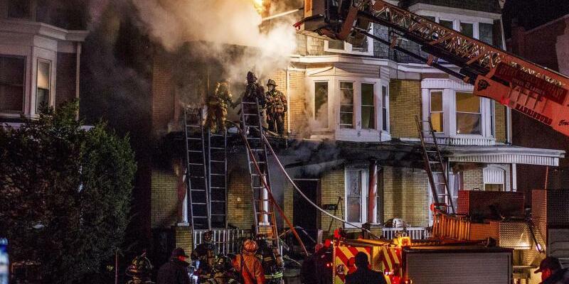 Feuer - Foto: Sean Simmers/PennLive.com