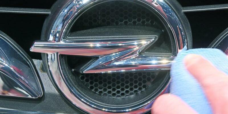 Opel - Foto: Uli Deck/Illustration