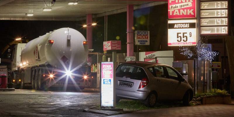 Freie Tankstelle - Foto: Georg Wendt