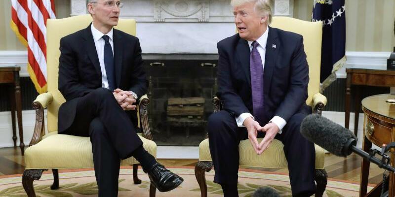 Trump und Stoltenberg - Foto: Evan Vucci