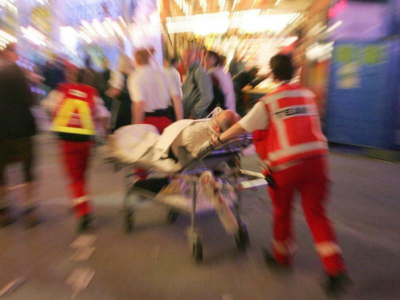 Rotes Kreuz Rettungskräfte - Foto: Lukas Barth/Illustration