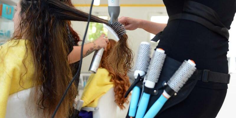 Beim Friseur - Foto: Britta Pedersen