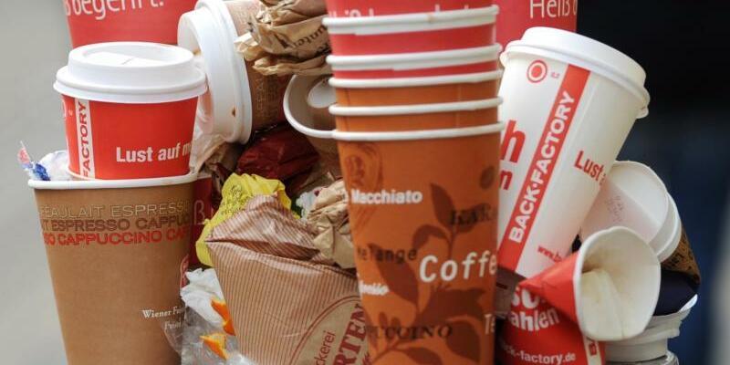 Einweg-Kaffeebecher - Foto: Uwe Zucchi