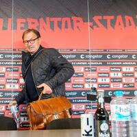 Ewald Lienen - Foto: Daniel Bockwoldt
