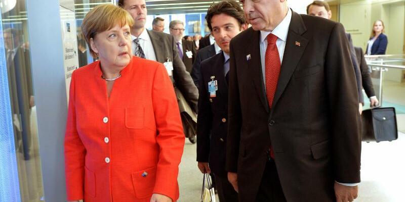 Merkel und Erdogan - Foto: Nato