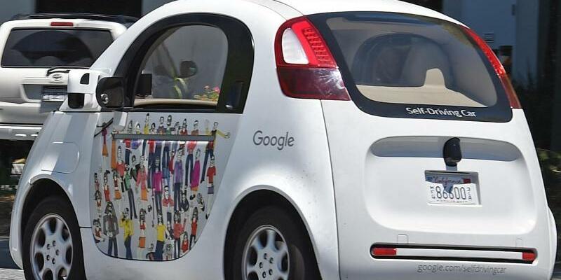 Selbstfahrendes Google-Auto - Foto: Andrej Sokolow