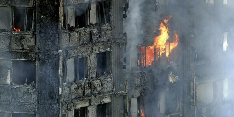 Dichter Rauch - Foto: Dichter Rauch amGrenfell Tower:Die bei weitem häufigste Todesursache bei Bränden ist eine Vergiftung durch Rauchgas. Foto:Matt Dunham