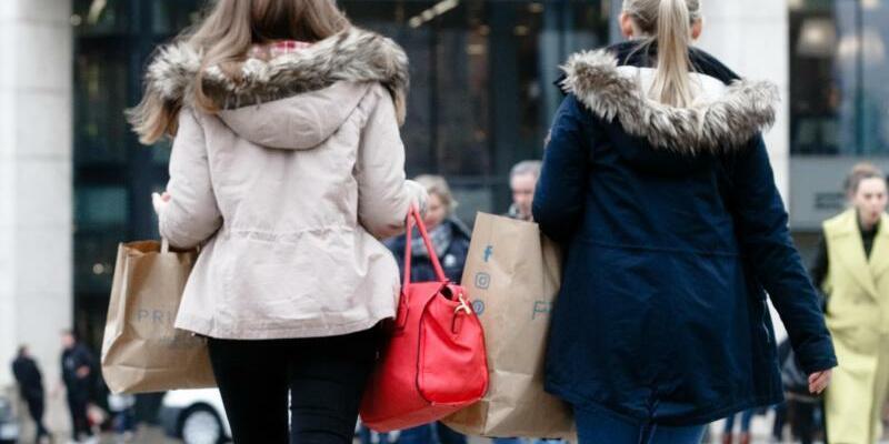Einkaufsoffener Sonntag - Foto: Gewerkschaft und Kirchen kritisieren die Sonntagsöffnung. Foto:Markus Scholz