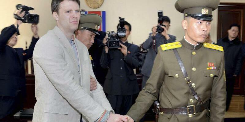 Warmbier beim Prozess - Foto: KCNA