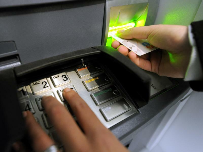 Geldautomat - Foto: Marcus Brandt