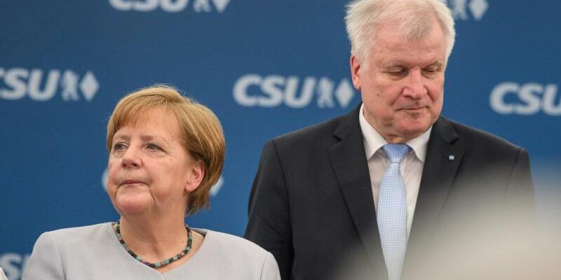 Angela Merkel und Horst Seehofer - Foto: Sven Hoppe