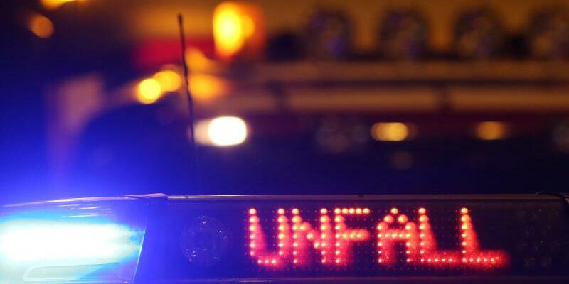 Blaulicht - Foto: Es gebe mehrere Verletzte, möglicherweise auch Schwerverletzte. Foto:Malte Christians/Symbol/Archiv