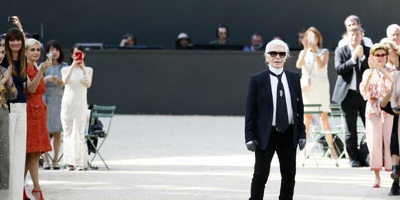 Haute Couture Fashion Week Paris - Lagerfeld - Foto: François Mori