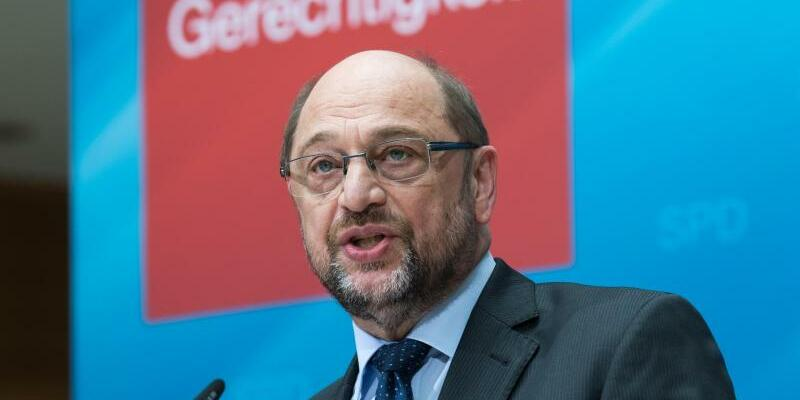 Schulz - Foto: Bernd von Jutrczenka