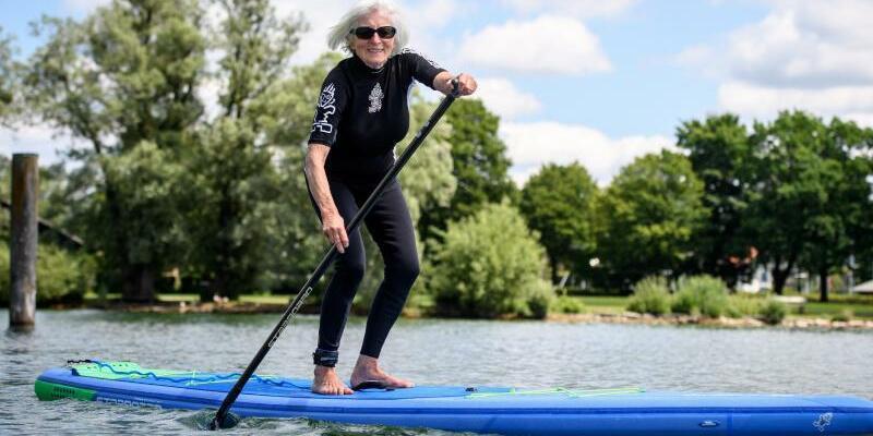 Stand Up Paddling mit 79 Jahren - Foto: Matthias Balk
