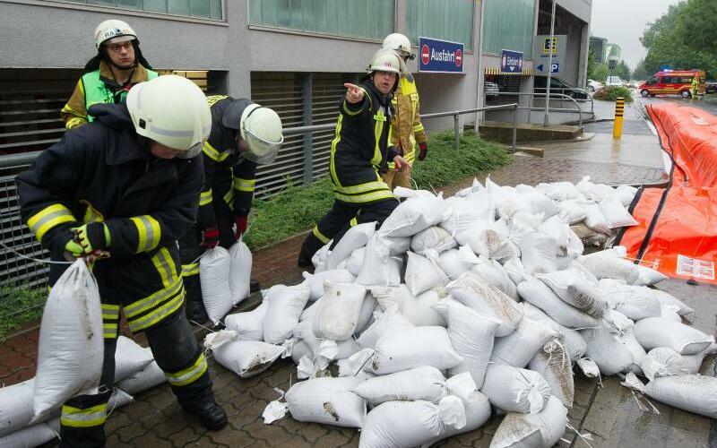 Feuerwehreinsatz - Foto: Swen Pförtner