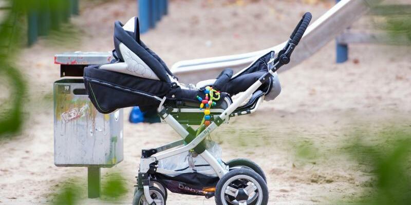 Leerer Kinderwagen - Foto: Lukas Schulze/Symbol