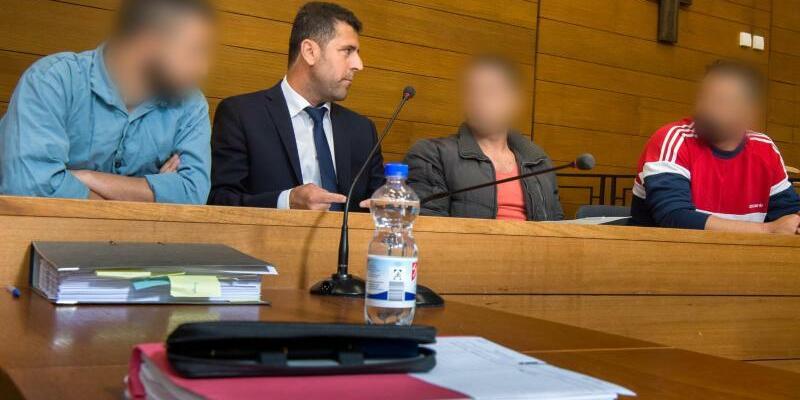 Urteil gegen Schleuser - Foto: Peter Kneffel