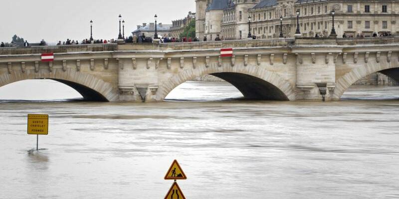 Hochwasser in Paris - Foto: Ian Langsdon/Archiv