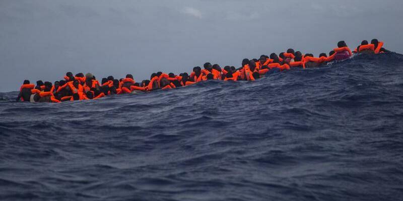Migranten aus Libyen - Foto: Santi Palacios/Archiv