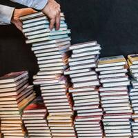 Bücherstapel - Foto: Frank Rumpenhorst