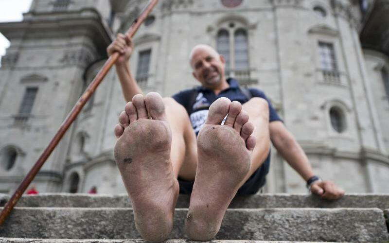 Weltrekord im Barfußlaufen - Foto: Urs Flueeler