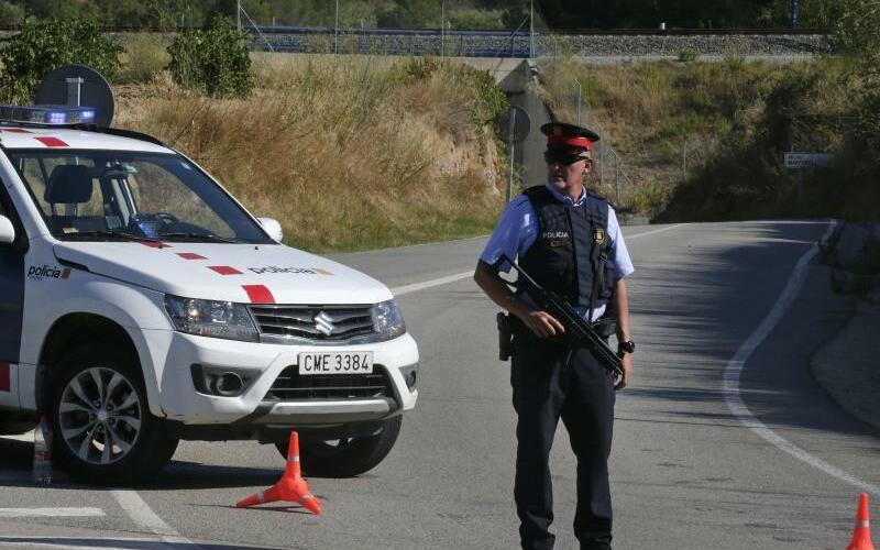 Polizei - Foto: Emilio Morenatti/AP