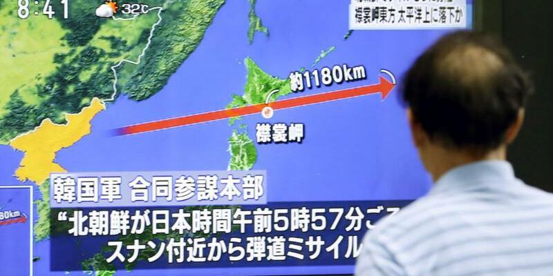 Nordkorea schießt Rakete über Japan hinweg - Foto: Kyodo