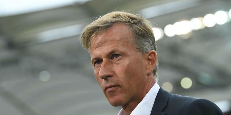 Ohne Fortune - Foto: Trainer Andries Jonker steht beim VfL Wolfsburg vor dem Aus. Foto:Marijan Murat