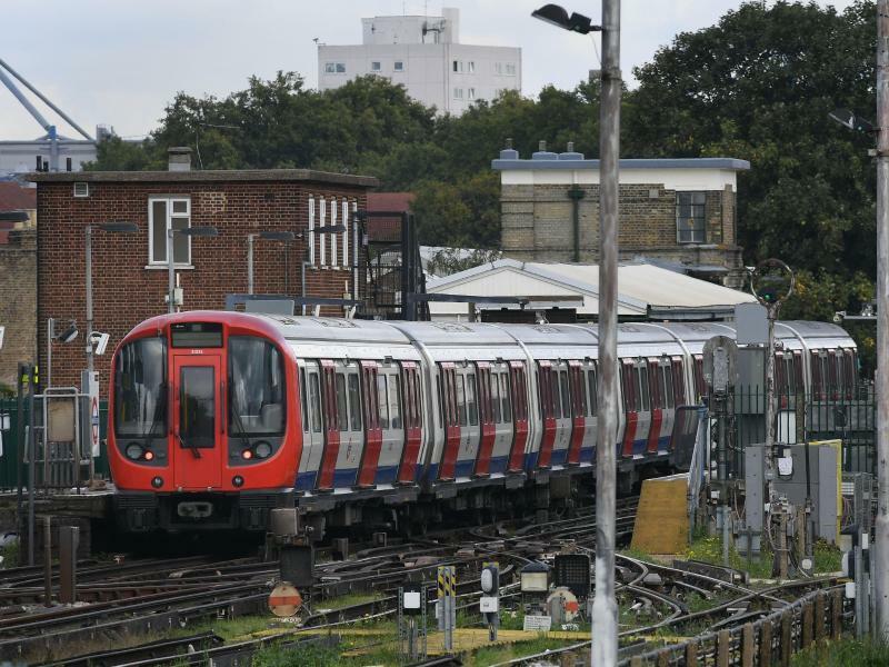 Explosion in Londoner U-Bahn - Foto: Stefan Rousseau